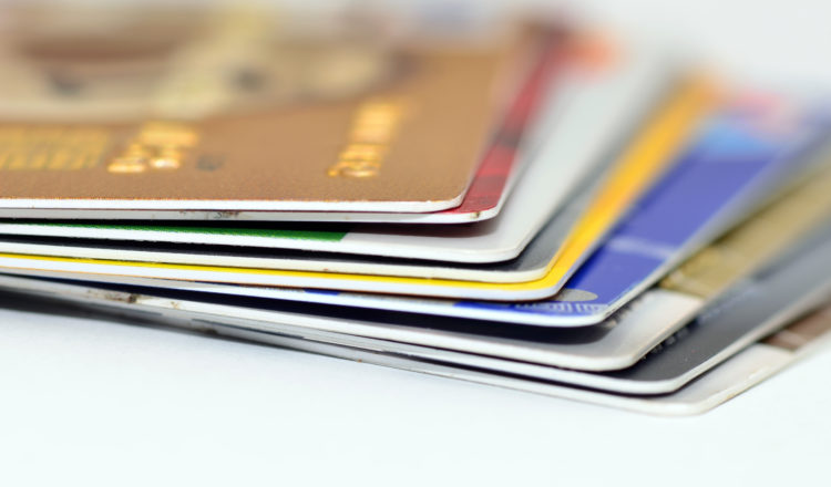 How to pay safely online with your card?