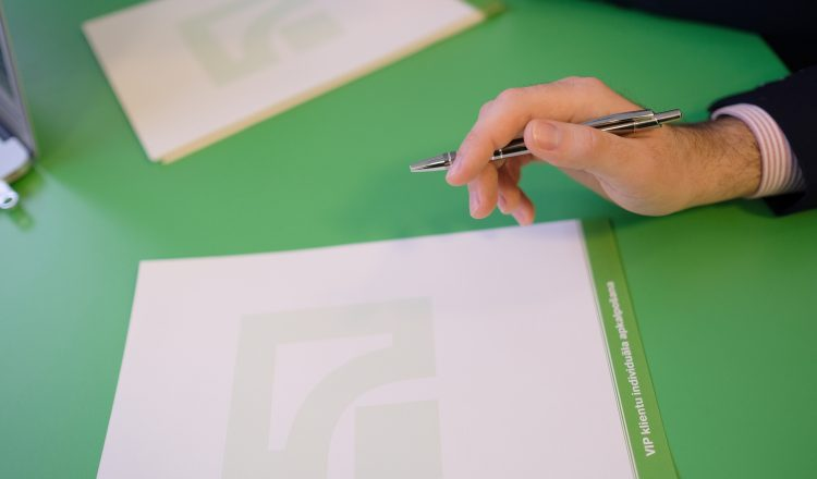 PrivatBank ceases to provide MoneyGram USD (US dollar) currency transfer service