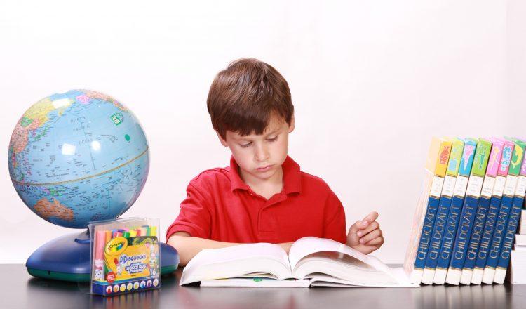 83% vecāku ar skolas vecuma bērniem runā par naudu un ģimenes budžetu