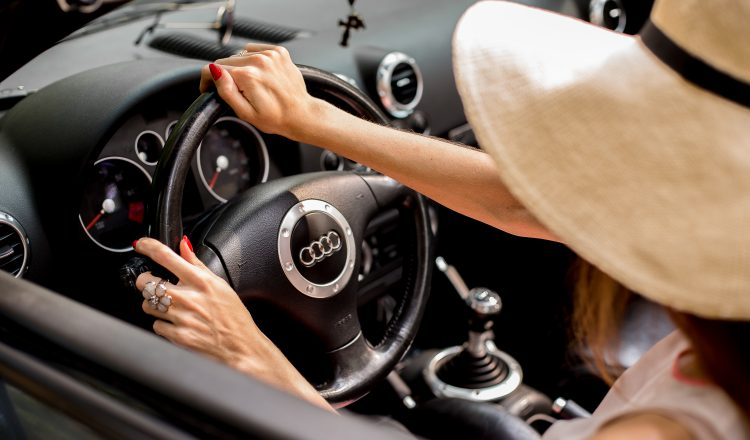 PrivatBank car lease: this year women choose Volkswagen and Audi, but men prefer BMW